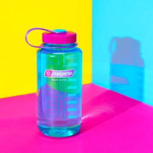 32oz Wide Mouth Retro Water Bottle - Surfer with Pink & Purple Cap